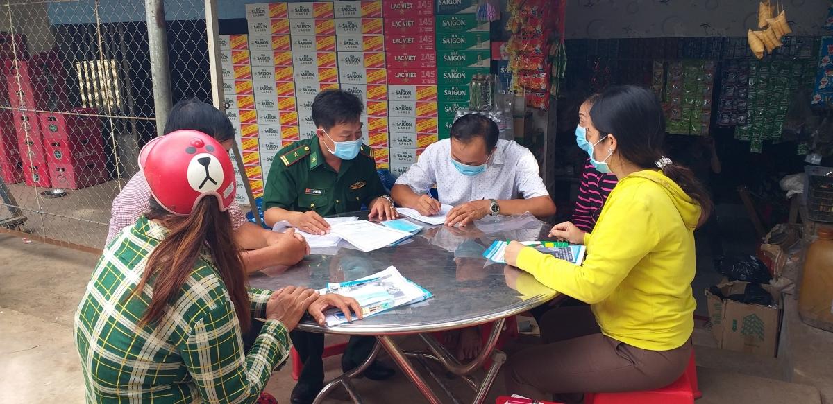 Bộ đội biên phòng Tuyên truyền nâng cao ý thức phòng chống dịch bệnh cho người dân ven biển