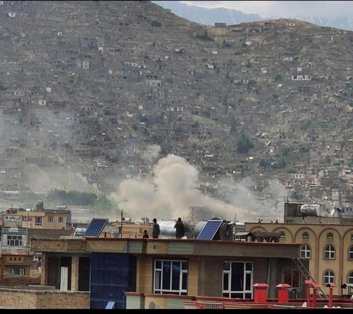 Vụ nổ gần trường học ở Afghanistan khiến nhiều người thương vong. (Nguồn: Twitter)