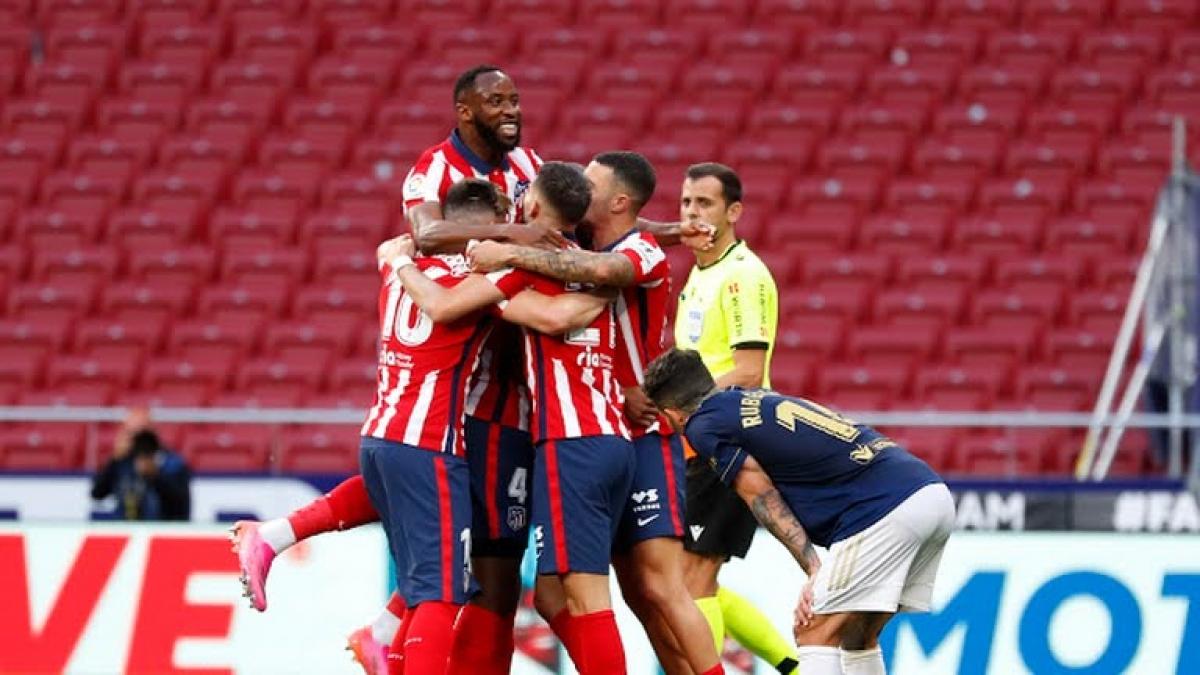 Atletico Madrid 2 lần bị VAR từ chối bàn thắng (Ảnh: Reuters).