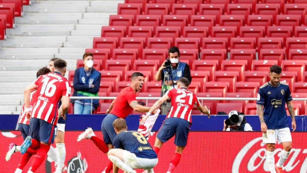Suarez ghi bàn thắng quý hơn vàng cho Atletico Madrid (Ảnh: Reuters).