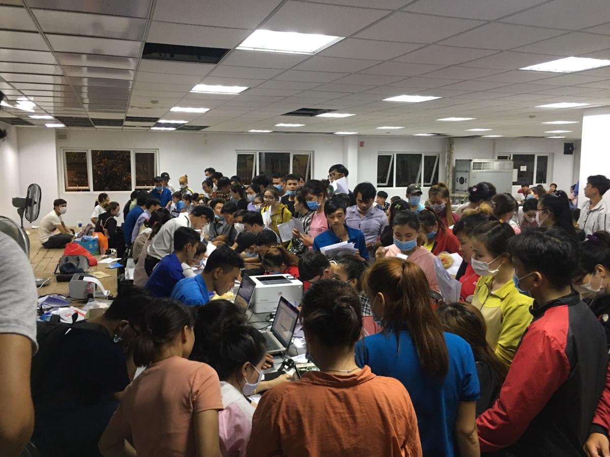 Có khoảng gần 400 công nhân tại Long An bị nợ bảo hiểm và đối diện với nguy cơ thất nghiệp kéo dài vì tình hình dịch bệnh