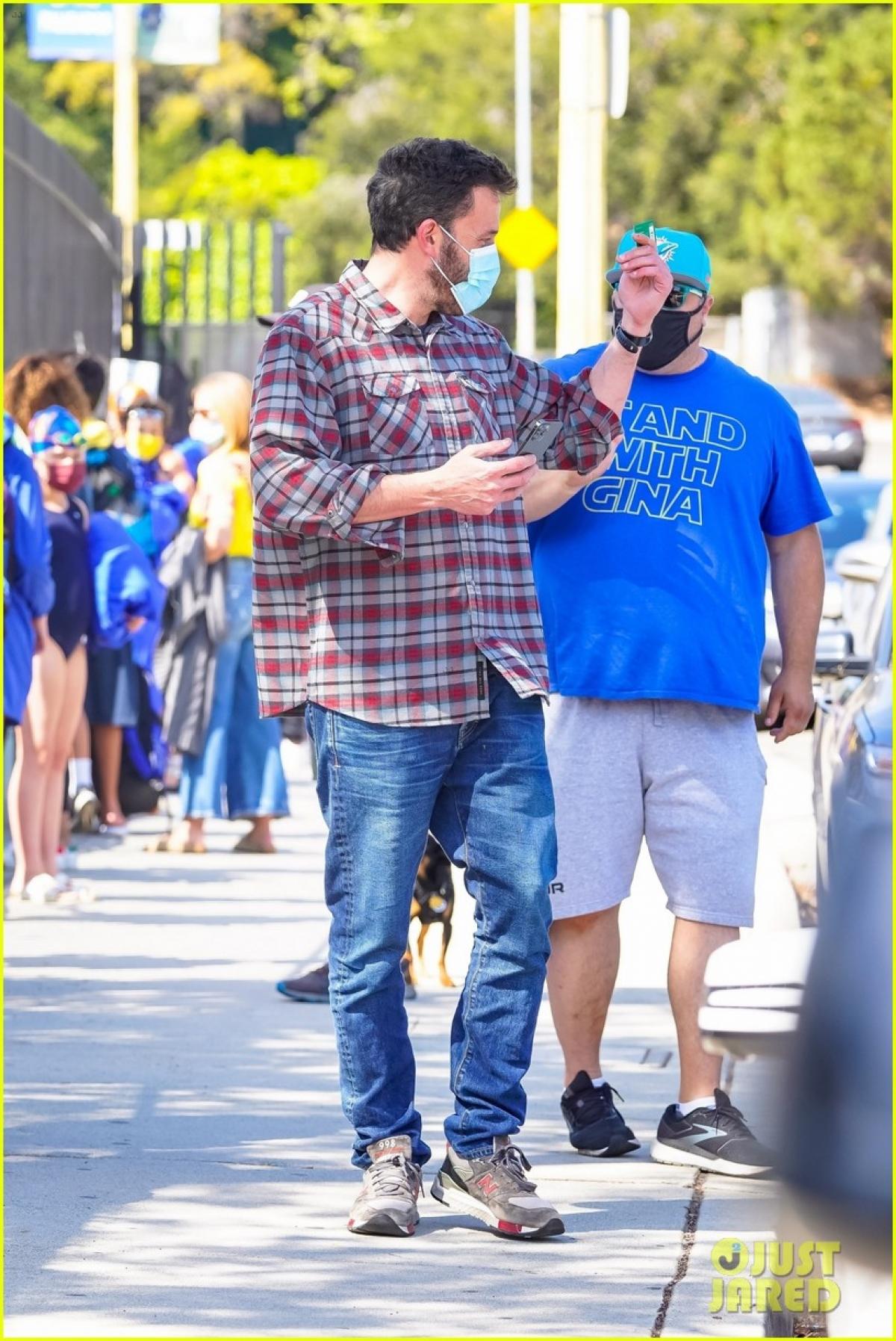 Người hâm mộ nhanh chóng nhận ra diễn viên Ben Affleck ...
