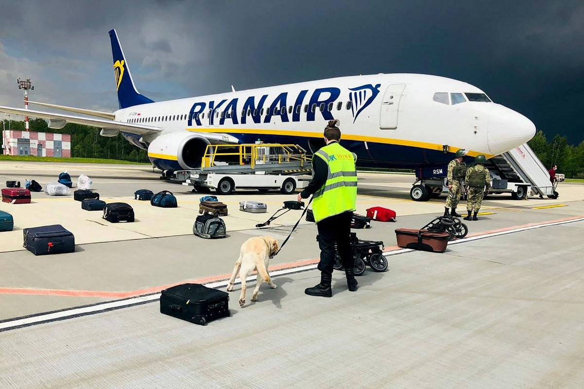 Chuyến bay Ryanair 4978 từ Hy Lạp đến Litva bị buộc phải hạ cánh xuống sân bay Minsk, Belarus. Ảnh: Getty