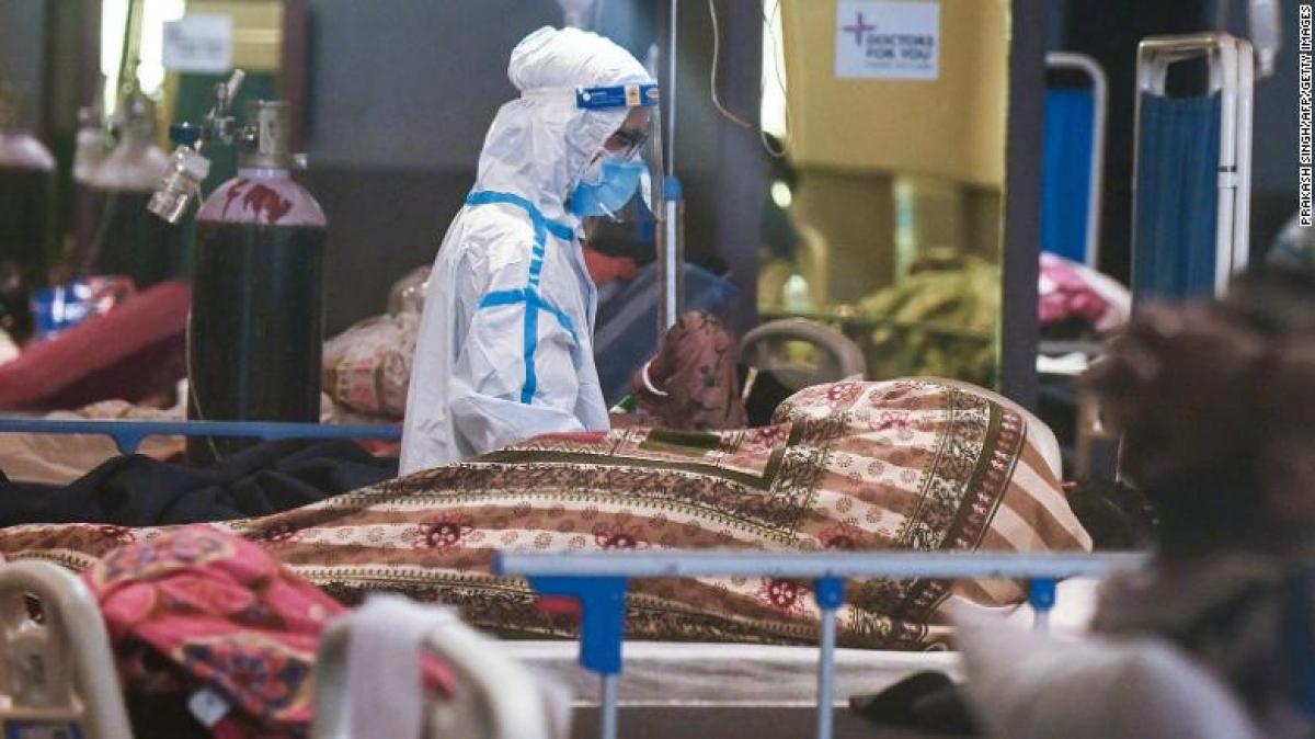 """Hệ thống y tế Ấn Độ đang đã phải căng mình chống đỡ """"cơn sóng thần"""" Covid-19. Ảnh: CNN"""