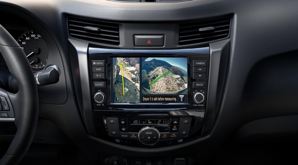 Xe có sẵn màn hình giải trí 8 inch với kết nối Apple Car Play và camera 360 độ