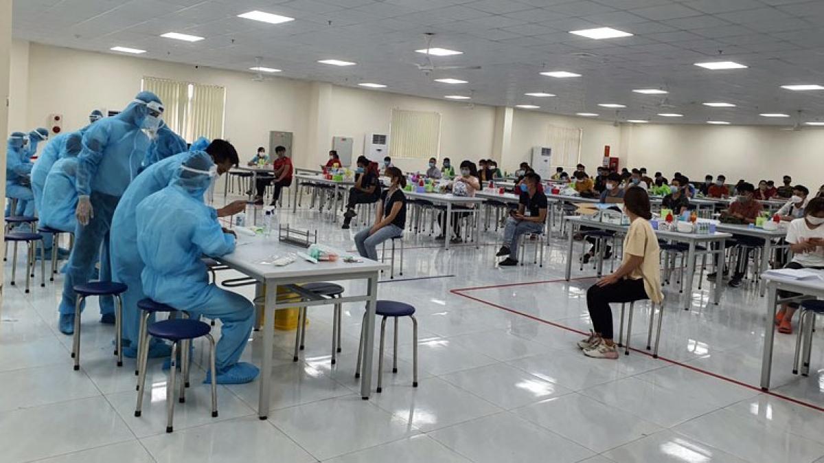 Đến ngày 2/6, ổ dịch Khu công nghiệp Quang Châu, huyện Việt Yên (Bắc Giang) ghi nhận 135 ca dương tính với SARS-CoV-2, nâng tổng số ca dương tính tại ổ dịch này chạm ngưỡng 2.000 ca mắc.