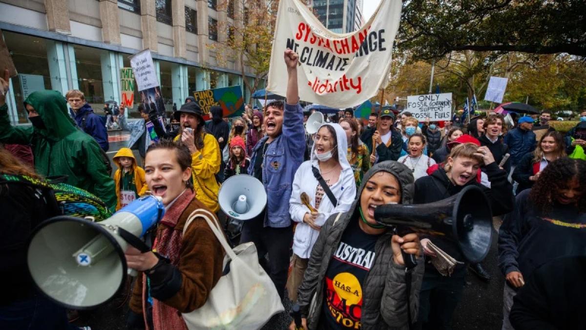 Học sinh, sinh viên tập trung ở trung tâm thành phố Sydney để tuần hành yêu cầu chính phủ quan tâm hơn tới môi trường.