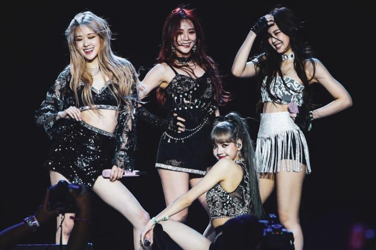 BLACKPINK là nhóm nhạc nữ Hàn Quốc đầu tiên biểu diễn tại lễ hội âm nhạc Coachella.