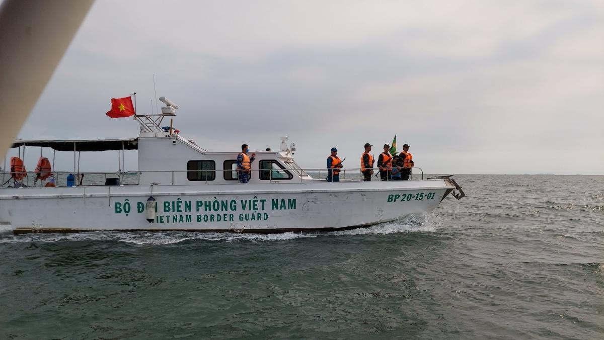 Lực lượng bộ đội biên phòng tăng cường kiểm soát nhập cảnh trái phép bằng đường biển ở Hà Tiên