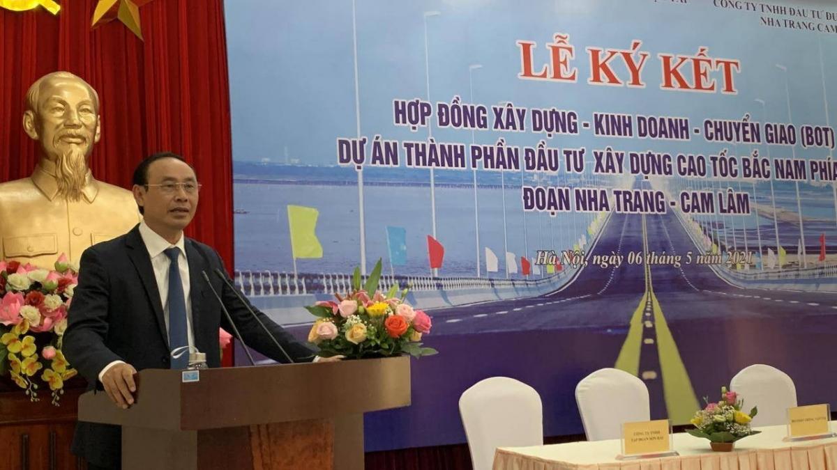 Thứ trưởng Lê Đình Thọ phát biểu tại lễ ký kết.