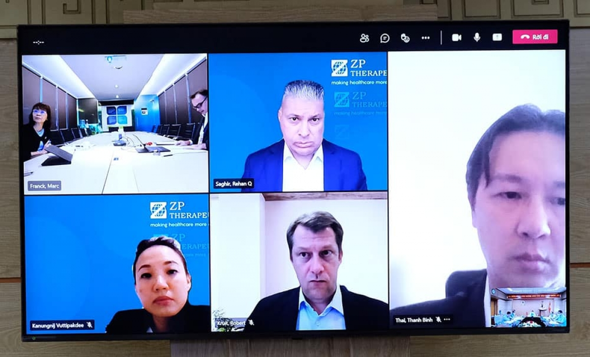 Các đại diện của Zuellig Pharma tham gia cuộc họp trực tuyến.
