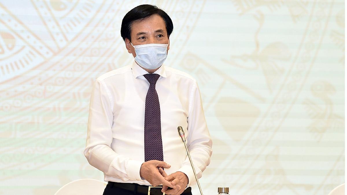 Bộ trưởng, Chủ nhiệm Văn phòng Chính phủ, Người phát ngôn của Chính phủ Trần Văn Sơn phát biểu tại Họp báo Chính phủ thường kỳ tháng 4/2021.