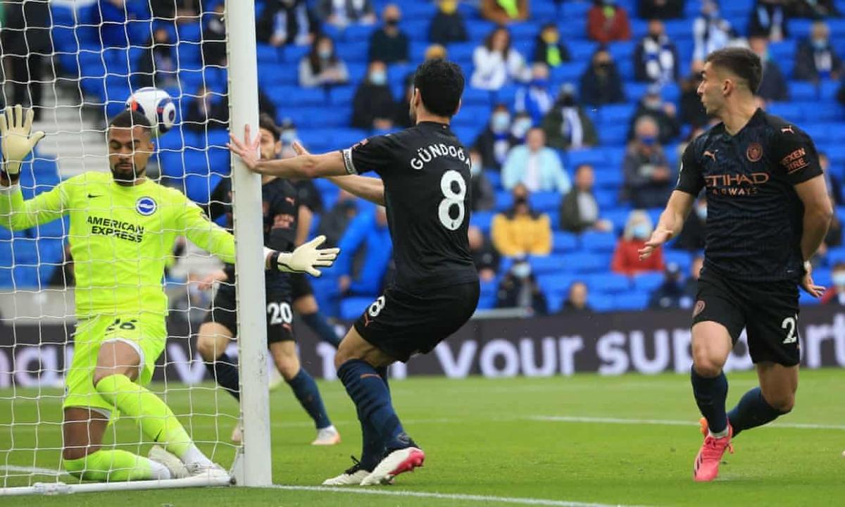 Ilkay Gundogan đánh đầu cận thành mở tỷ số ngay phút thứ 2, sau quả tạt dọn cỗ của Riyad Mahrez.