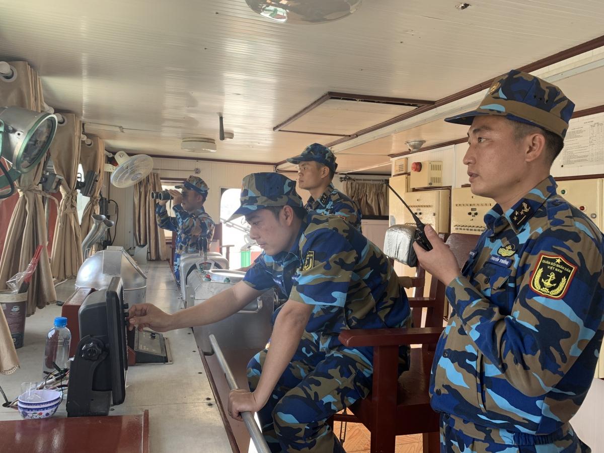 Cán bộ chiến sĩ tàu Trường Sa 14, Lữ đoàn 955 ra khơi