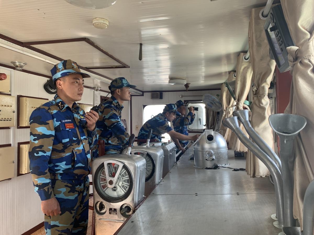 Cán bộ chiến sĩ Lữ đoàn 955 rời bến thực hiện nhiệm vụ