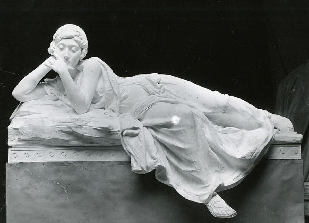 Audrey Munson làm mẫu cho nhiều bức tượng.