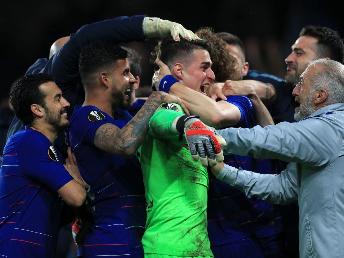 Các cầu thủ Chelsea ăn mừng sau chiến thắng trước Frankfurt ở bán kết Europa League ngày này 2 năm trước. (Ảnh: Getty).