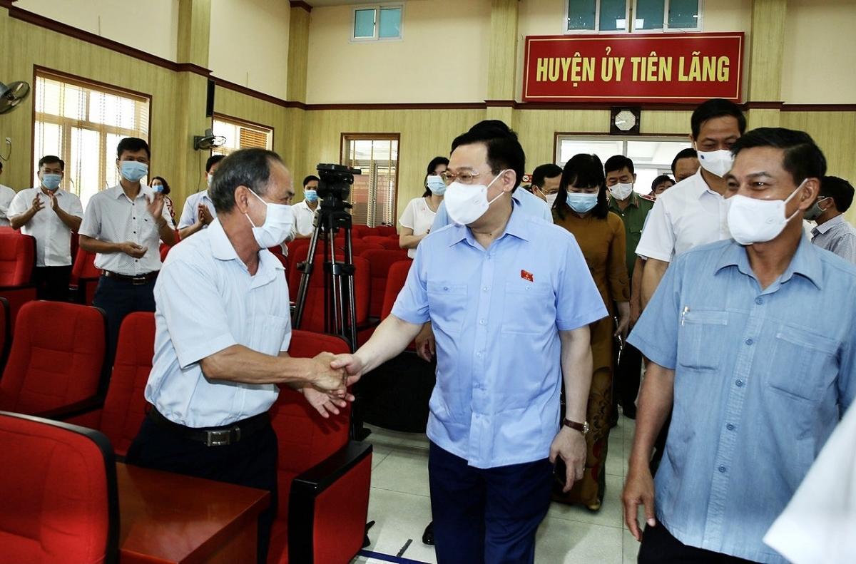 Chủ tịch Quốc hội Vương Đình Huệ ứng cử đại biểu Quốc hội tại các đơn vị bầu cử số 3 của TP Hải Phòng, gồm các huyện Tiên Lãng, Vĩnh Bảo, An Lão, quận Kiến An và Dương Kinh.