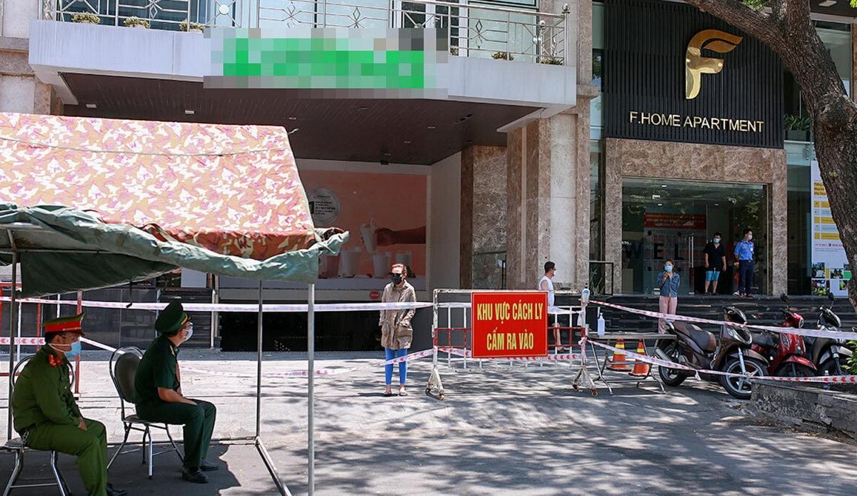 Chung cư Fhome ở đường Lý Thường Kiệt Đà Nẵng đã bị phong tỏa (Ảnh: Nguyễn Đông).