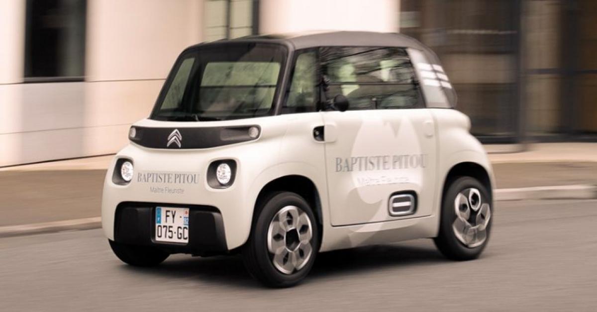 Xe được trang bị mô tơ điện công suất 6 kW trong khi bộ pin lithium-ion 5.5 kWh giúp xe có thể di chuyển quãng được 75 km chỉ trong một lần sạc.
