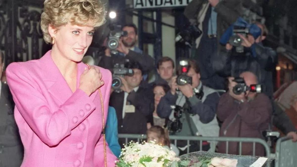 """Chương trình phỏng vấn độc quyền """"Panorama"""" của BBC với Công nương Diana vào tháng 11/1995 đã thu hút kỷ lục 22,8 triệu người theo dõi và tiết lộ về cuộc hôn nhân phức tạp của bà với Thái tử Charles. Ảnh: AFP"""