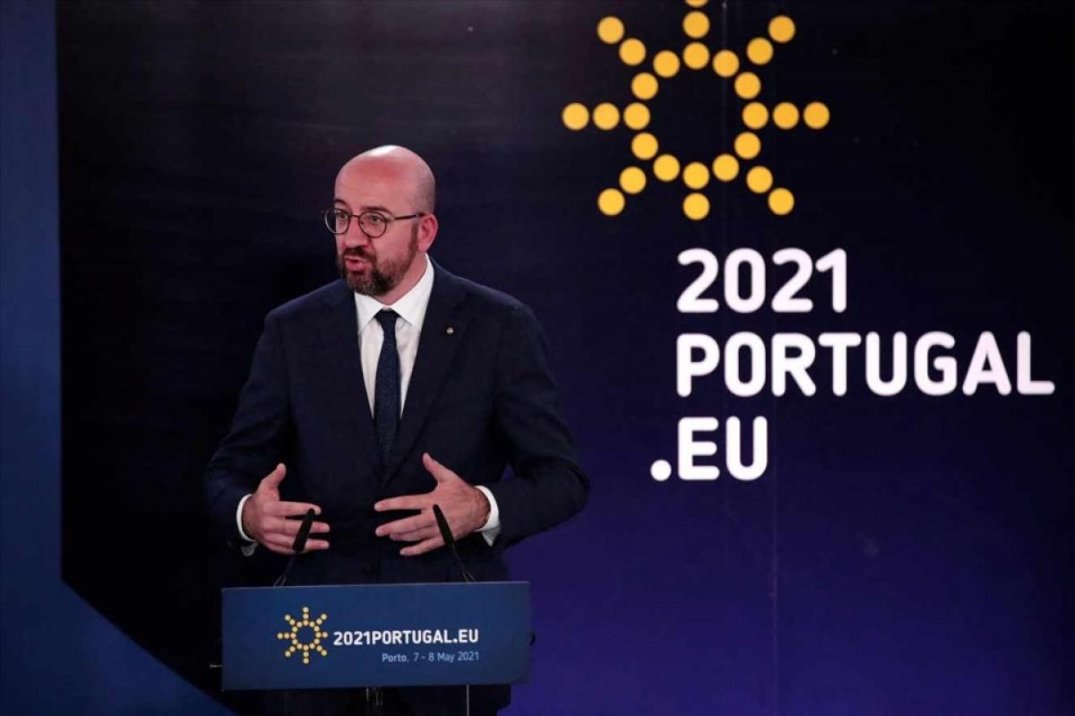 Chủ tịch Hội đồng Châu Âu Charles Michel phát biểu trong khuôn khổ hội nghị thượng đỉnh Liên minh Châu Âu hôm 8/5 tại Porto. Ảnh: AFP.