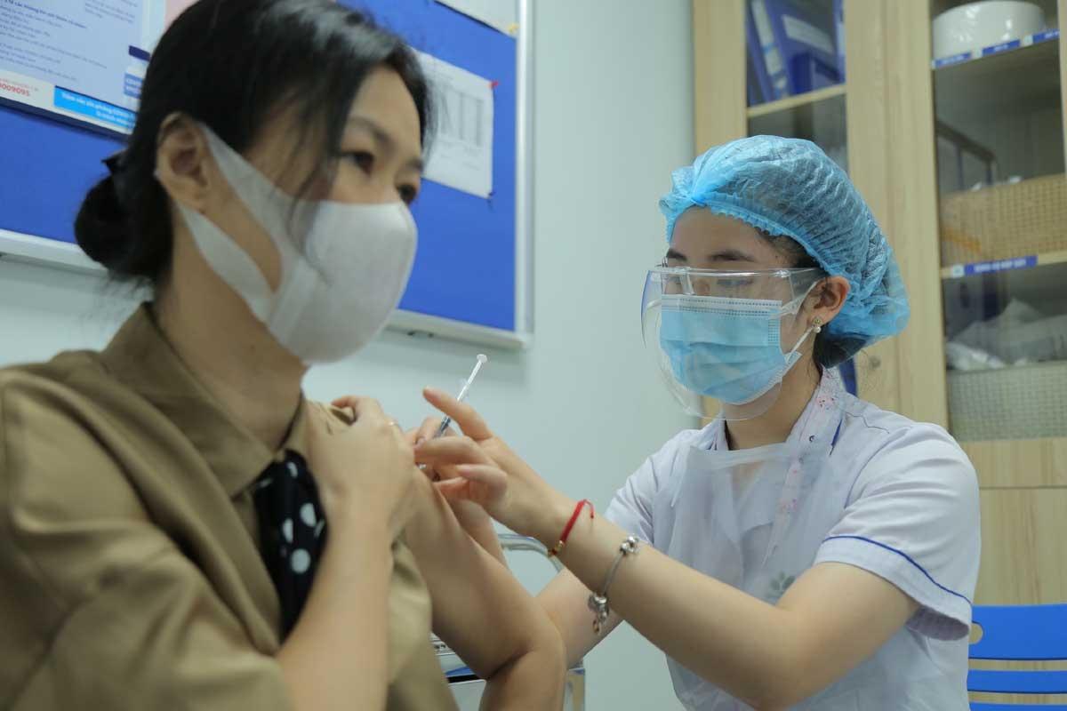 Ngày 12/5, Petrovietnam phối hợp với Bộ Y tế tiêm vắc xin Covid cho người lao động,