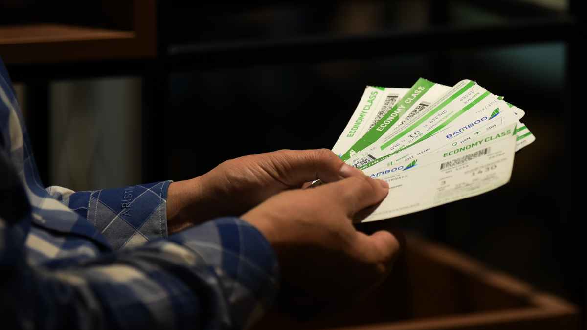 Với đề xuất bỏ trần giá vé máy bay, đại diện các hãng hàng không cho rằng đó là điều cần thiết để tạo ra môi trường cạnh tranh bằng chất lượng dịch vụ, phù hợp nhu cầu của nhiều đối tượng khách hàng và theo đúng hướng kinh tế thị trường.