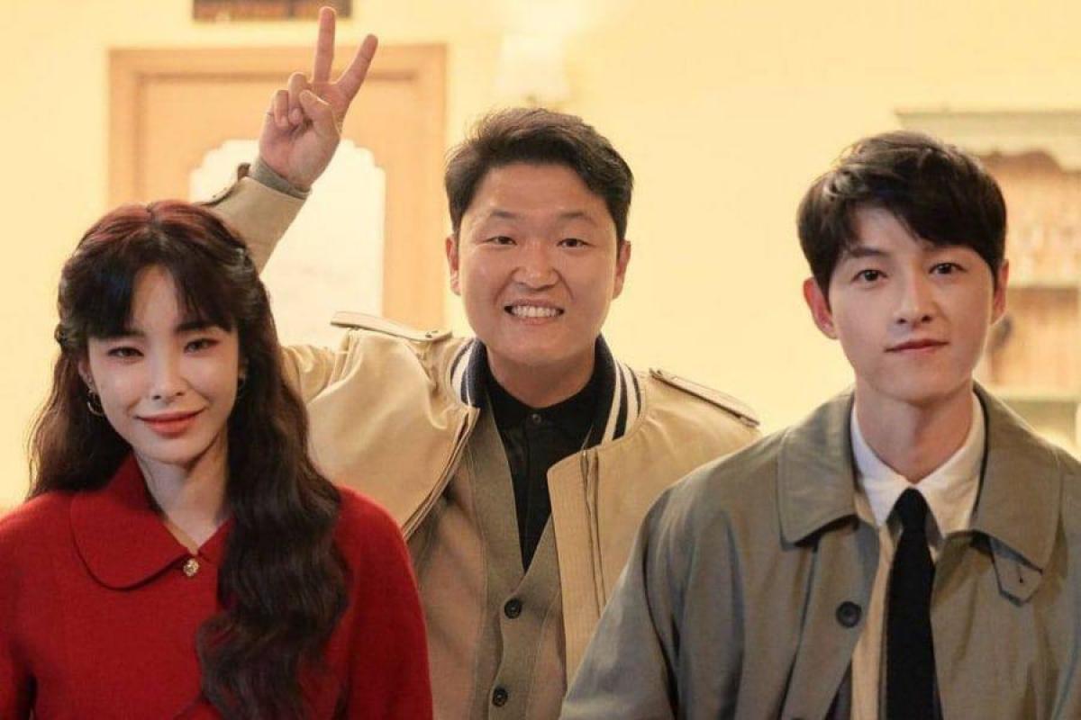 Song Joong Ki sẽ góp mặt trong MV mới của nữ ca sĩ Heize.