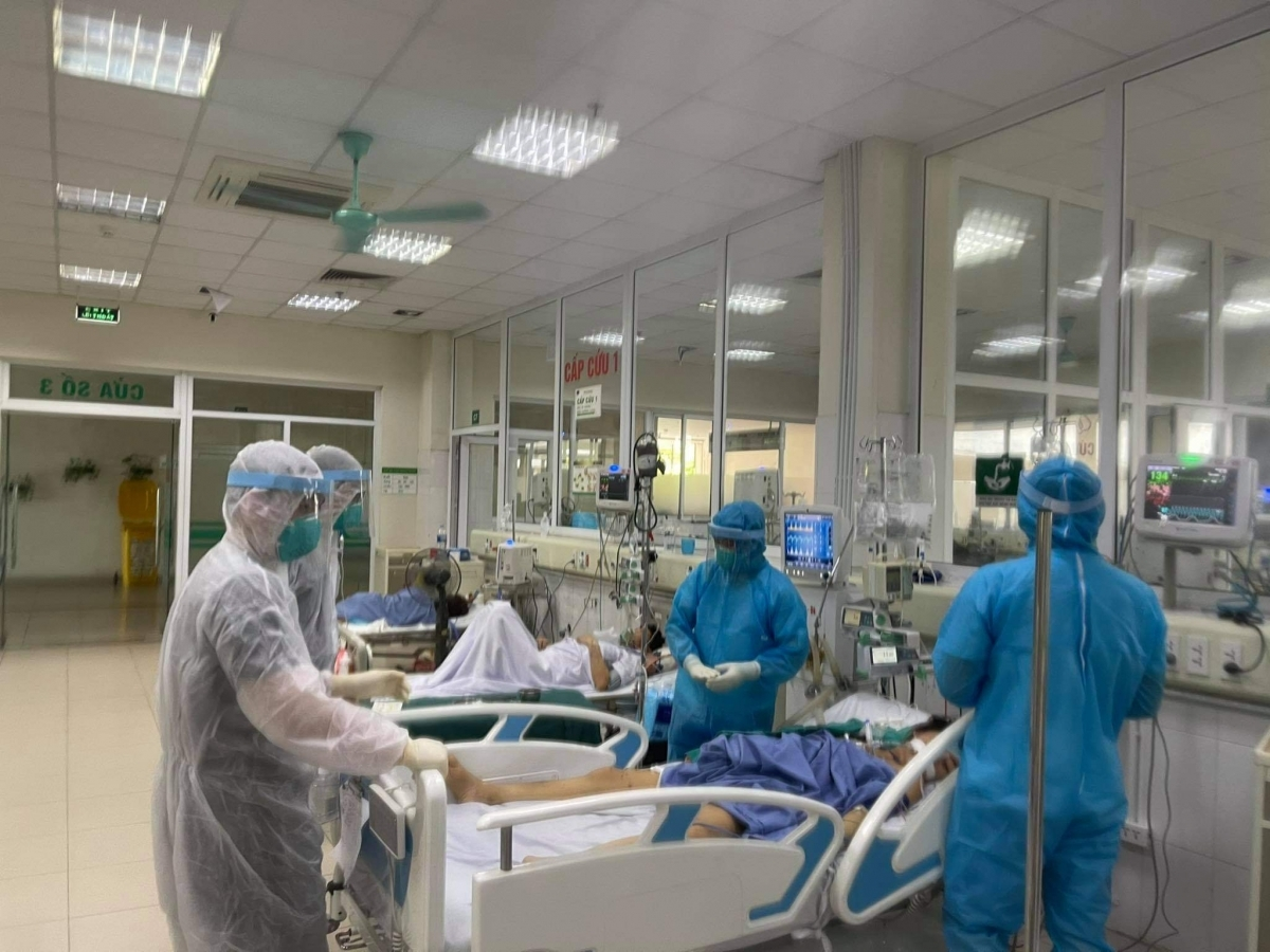 The National Hospital for Tropical Diseases No2 in Hanoi is one of very few healthcare facilities to treat severely ill COVID-19 patients in Vietnam, It is treating 235 COVID-19 patients, including 52 serious and critically ill cases.