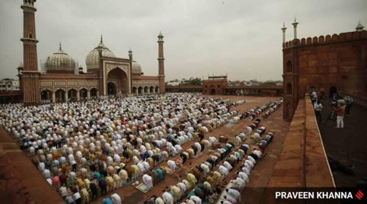 Eid al-Fitr - đánh dấu kết thúc tháng lễ Ramadan trong thế giới hồi giáo. Ảnh: Indian Express