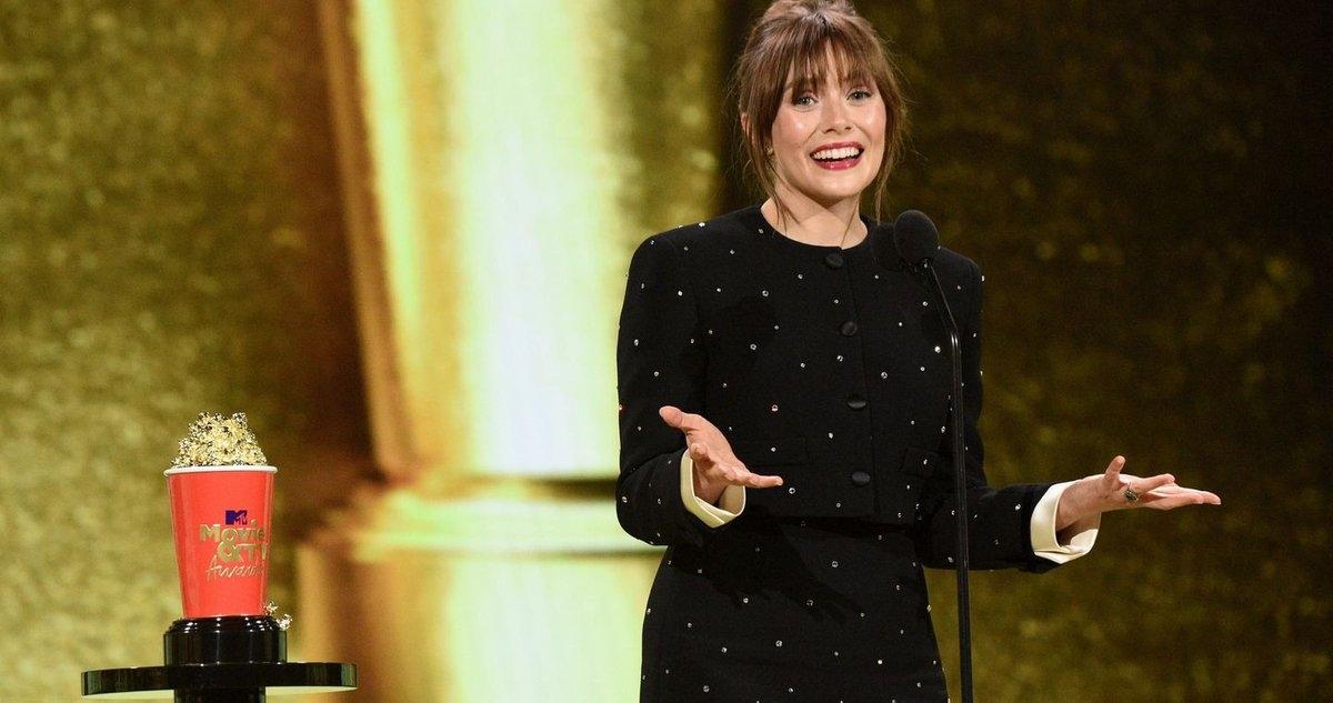 Nữ diễn viên Elizabeth Olsen, người vào vai Wanda phát biểu khi nhận giải tại MTV Movies & TV Awards.