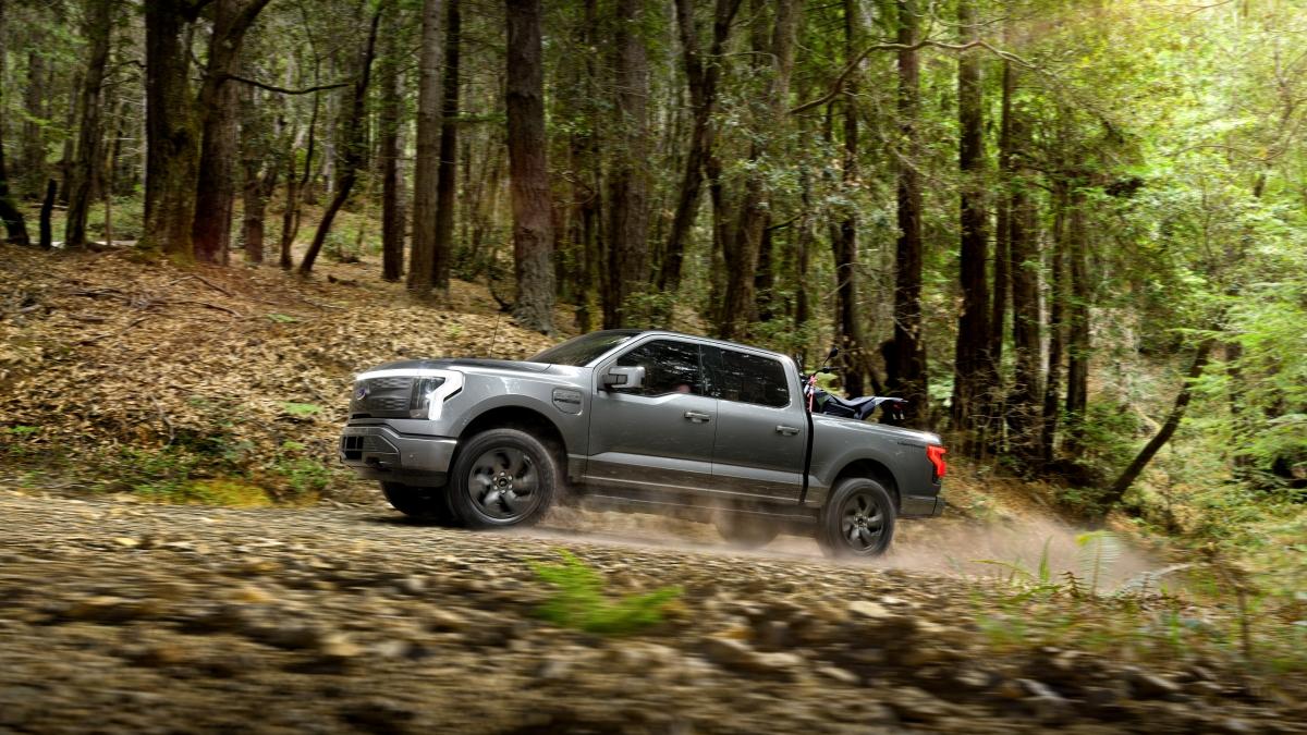 Ford F150 Lightning động cơ điện hoàn toàn với công suất 563 mã lực và mô men xoắn cực đại 1.050 Nm
