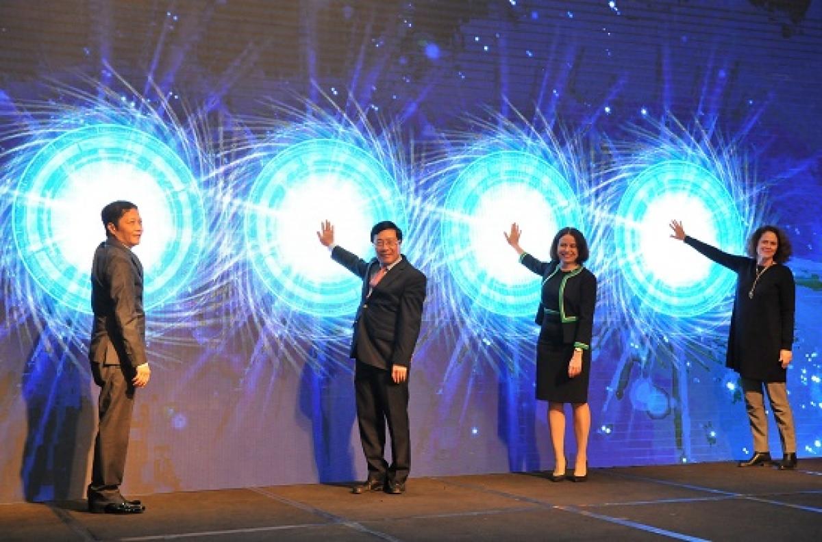 Nghi thức bấm nút khai trươngCổng thông tin điện tử Hiệp định Thương mại tự do của Việt Nam diễn ra ngày 23/12/2020 tại Bộ Công Thương.