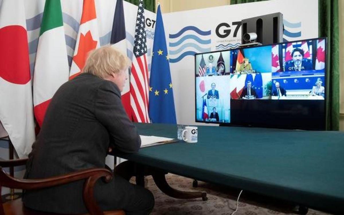 Thủ tướng Anh Boris Johnson chủ trì Hội nghị thượng đỉnh trực tuyến của G7, tại phòng Nội các, phố Downing, London, Anh, ngày 19/2/2021. Ảnh: KT