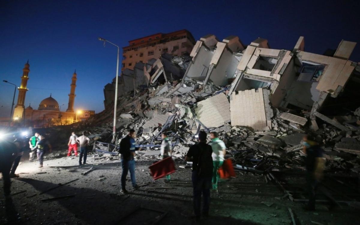 Gaza đổ nát sau khi bị Israel không kích. Ảnh: AP.