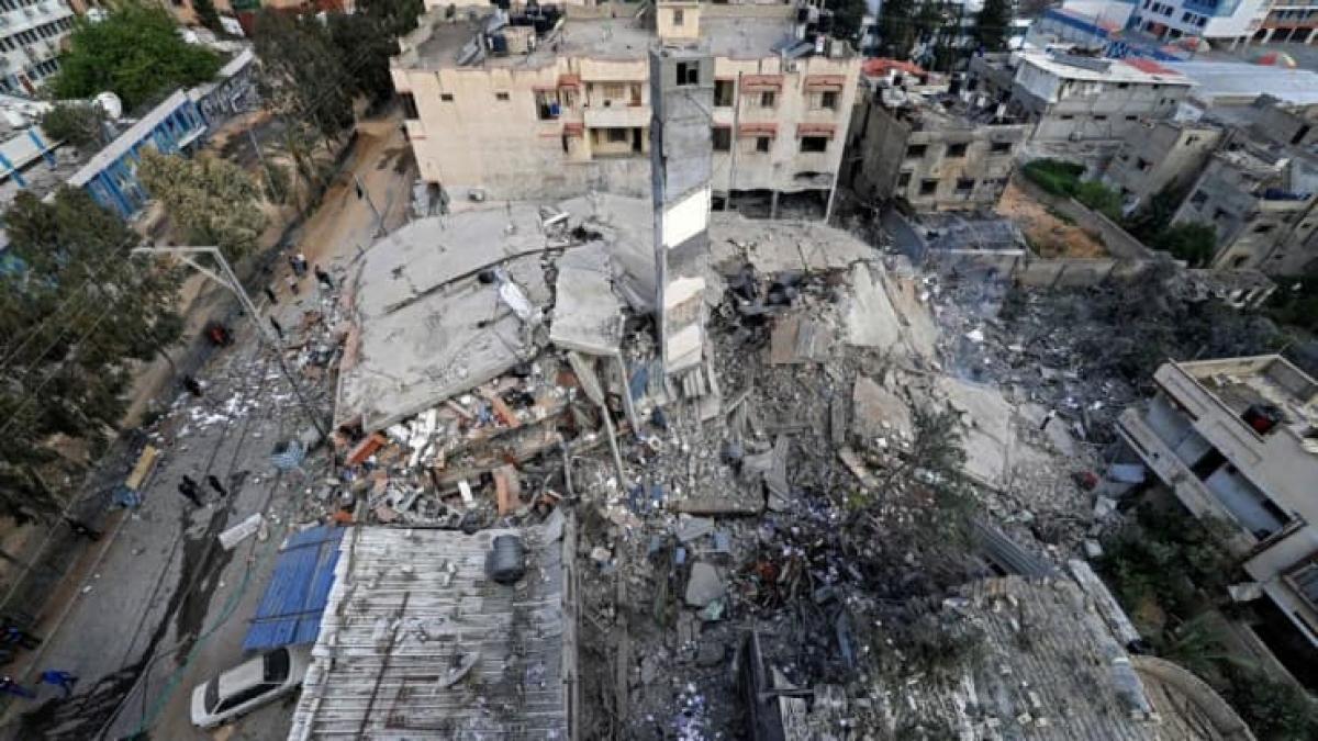 Khung cảnh hoang tàn ở Gaza sau các đợt không kích của Israel. Ảnh: AFP/Getty.