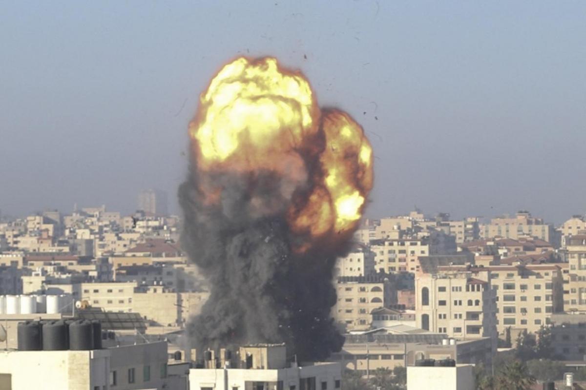 Một cuộc không kích của Israel nhằm vào Hamas tại Dải Gaza. Ảnh: AFP