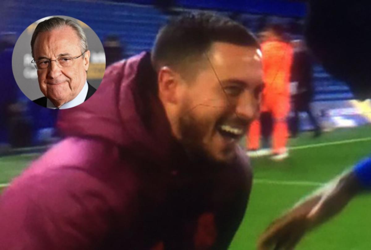 Hazard thoải mái cười đùa sau trận thua Chelsea.