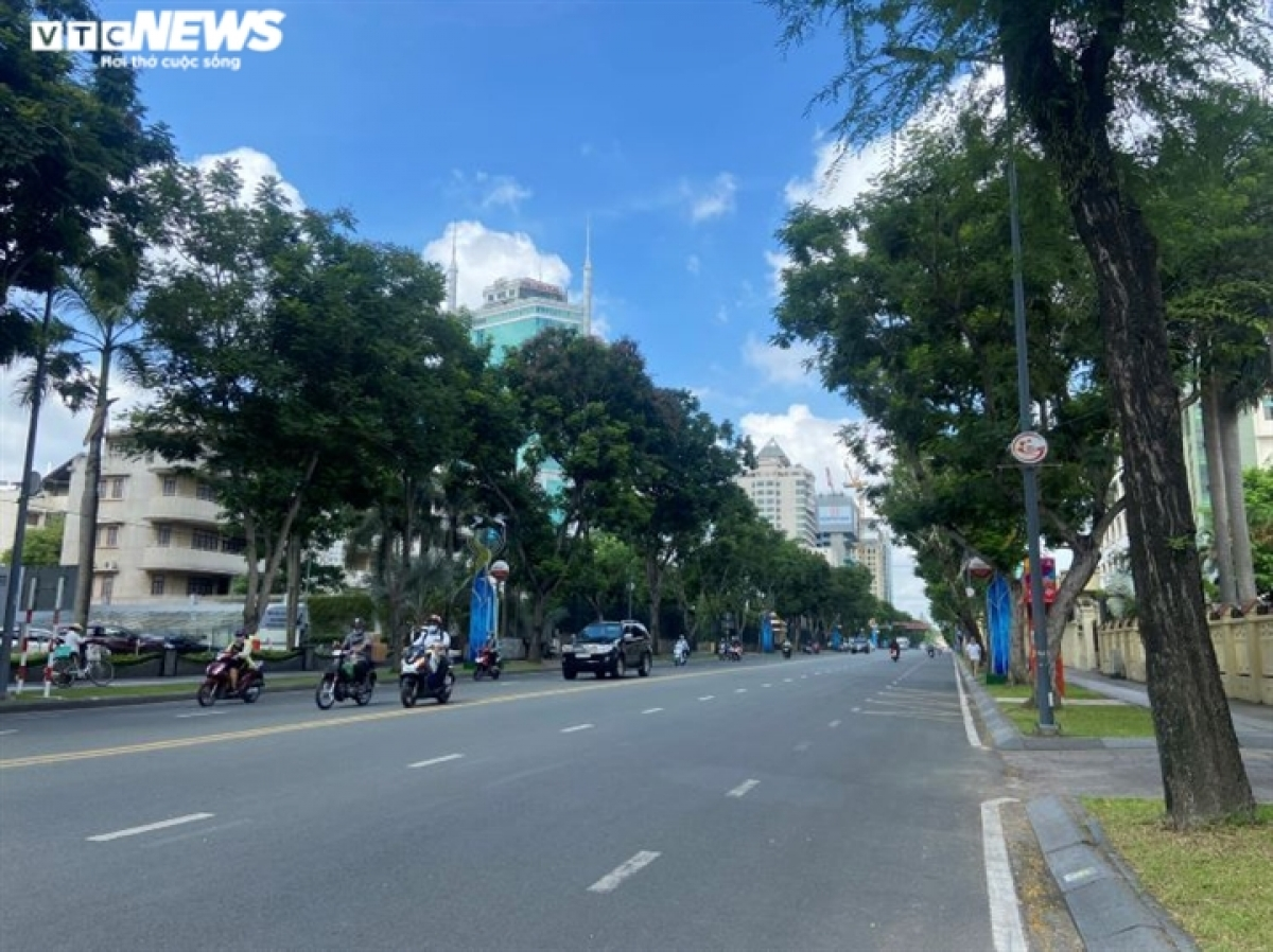 Streets in Ho Chi Minh City remain quiet on the morning of May 31.