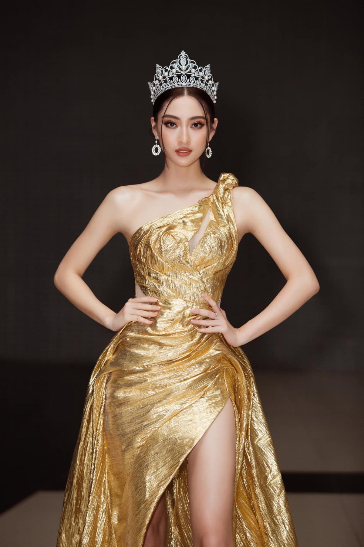 Hoa hậu Lương Thuỳ Linh.