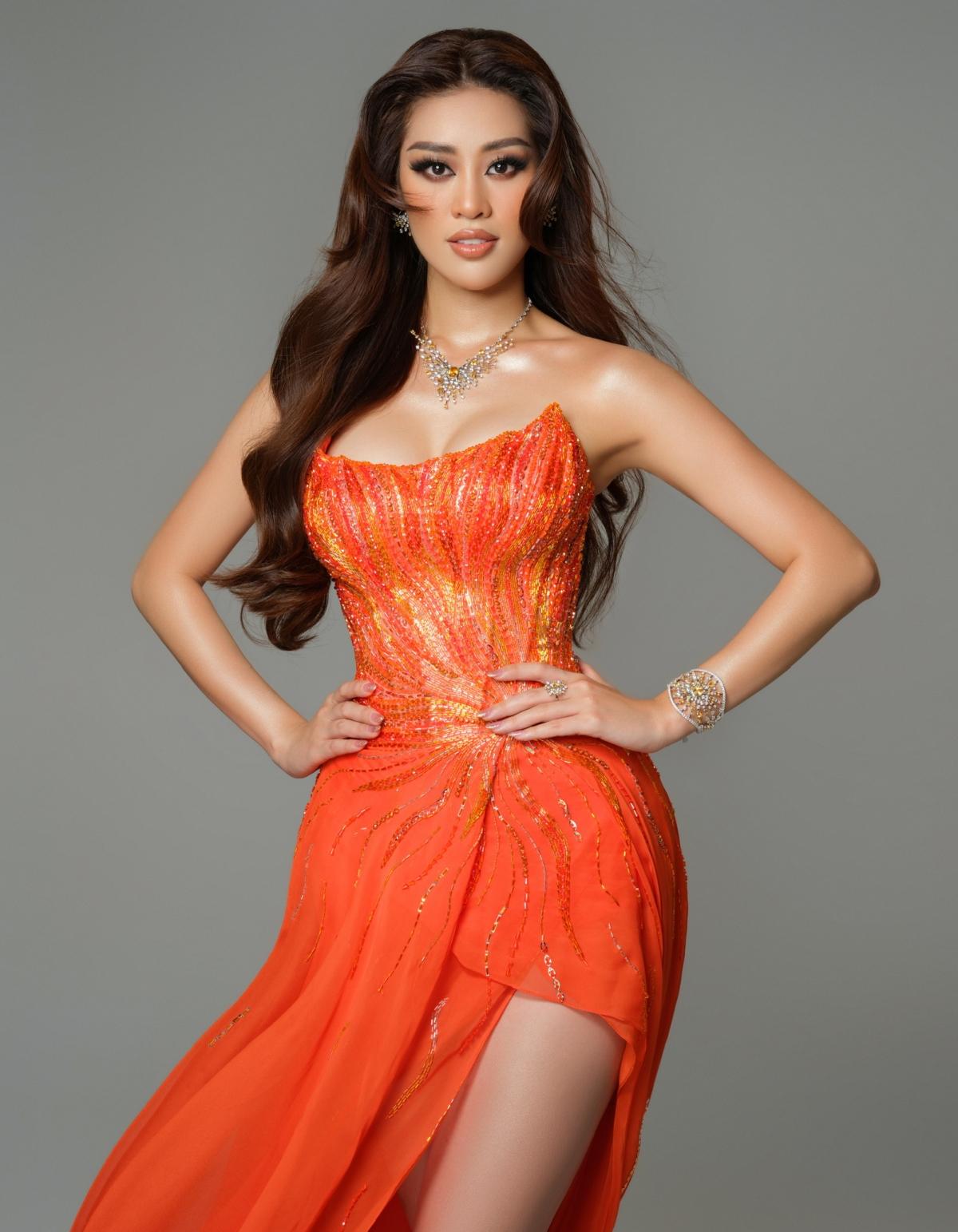 Chung kết Miss Universe diễn ra lúc 7h sáng 17/5, khán giả có thể xem trên kênh Foxlife. Miss Universe lần thứ 69 diễn ra tại Mỹ từ ngày 6 – 16/05/2021 (theo giờ Mỹ). Khán giả có thể bầu chọn cho Khánh Vân vào thẳng Top 21 bằng cách vote thông qua ứng dụng Miss Universe, cổng bình chọn đã mở và sẽ đóng lại đến hết ngày 15/5/2021 (theo giờ Mỹ). Phần thi National Costume mở cổng bình chọn từ ngày 13/5/2021 đến hết ngày 15/5/2021 (theo giờ Mỹ)./.
