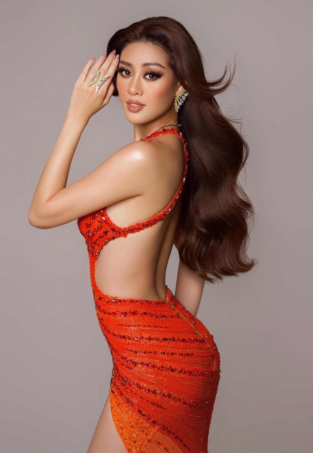 Đáng tiếc, Khánh Vân đã không lọt vào top 10 để tham gia trình diễn váy dạ hội trên sân khấu đêm chung kết./.