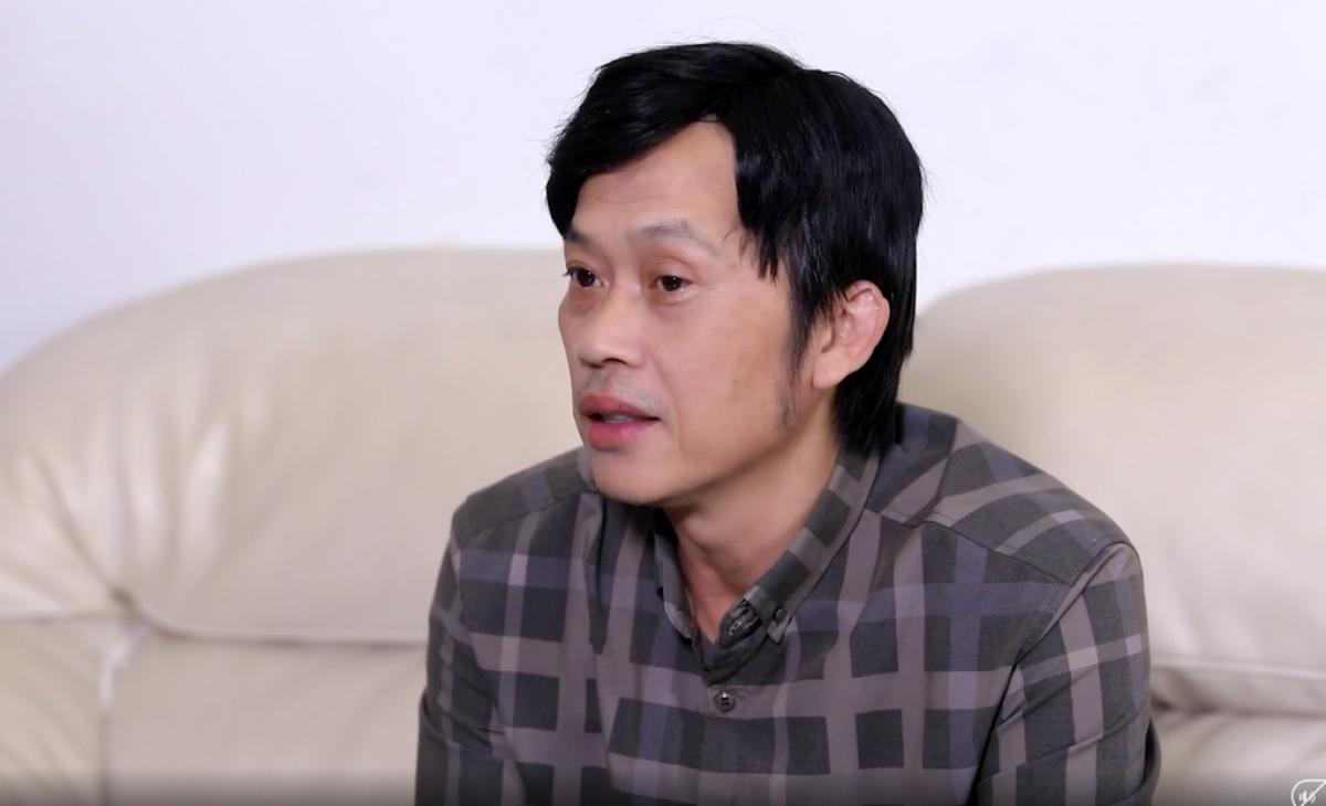 Vụ việc nghệ sĩ Hoài Linh chậm chuyển tiền cho đồng bào vùng lũ khiến dư luận có nhiều ý kiến trái chiều .