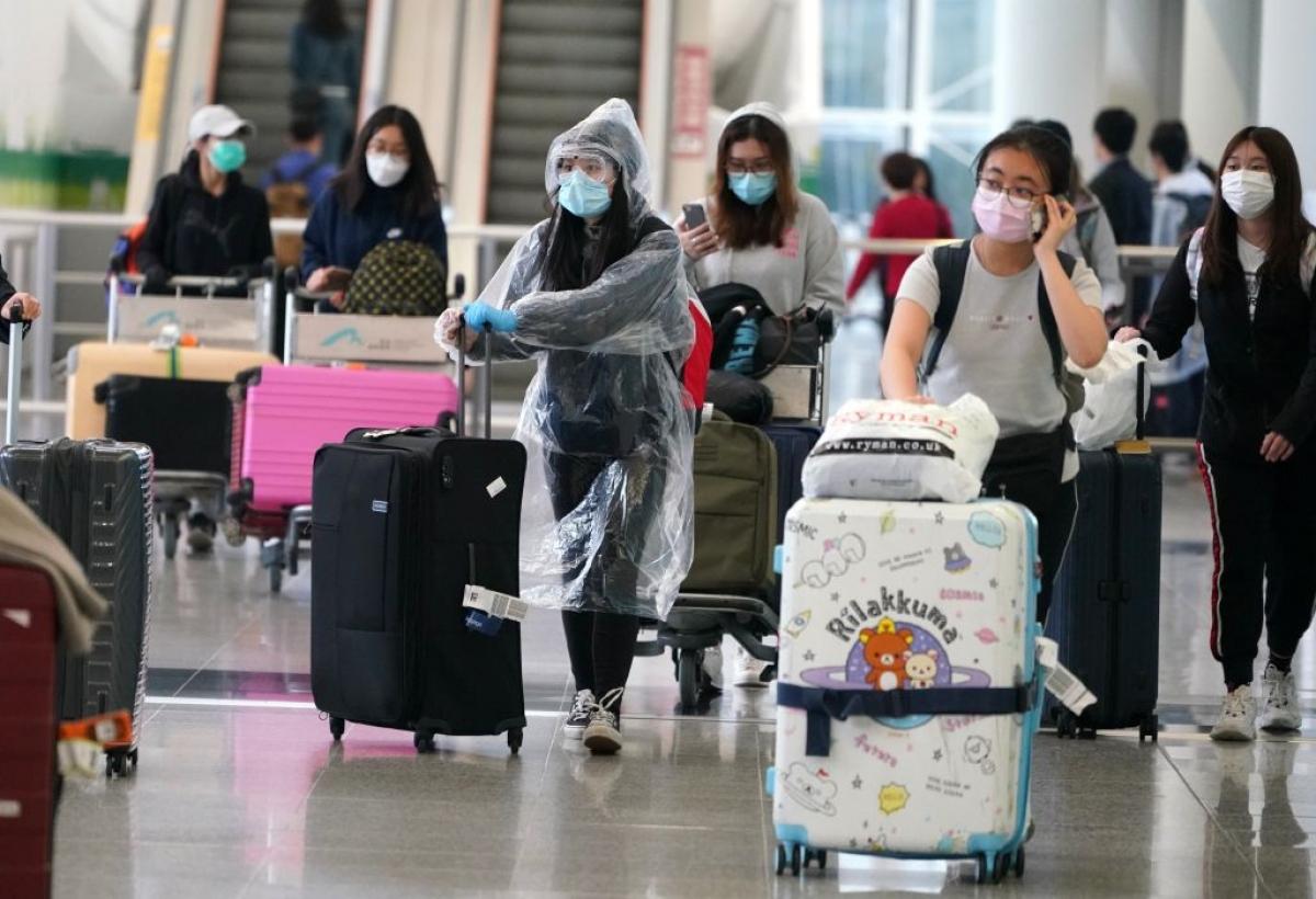 Hong Kong (Trung Quốc) rút ngắn thời gian cách ly đối với người đã tiêm vaccine Covid-19. Ảnh: Getty