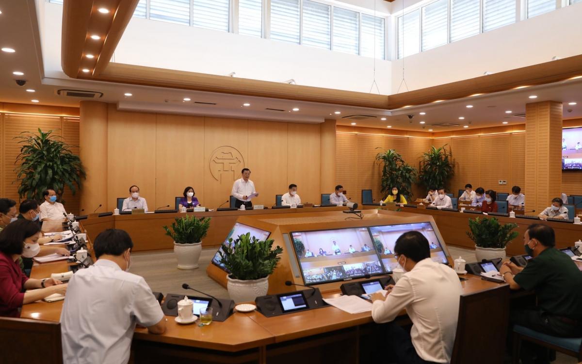 Thường trực Thành uỷ họp với UBND Thành phố, Ban Chỉ đạo Thành phố và các sở, ngành, quận, huyện, thị xã về phòng chống dịch Covid -19
