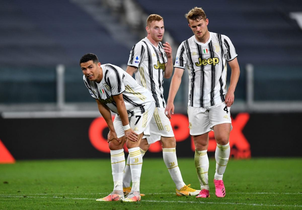 Juventus bị đánh bật khỏi top 4 Serie A sau thất bại nặng nề trước Milan. (Ảnh: Getty).