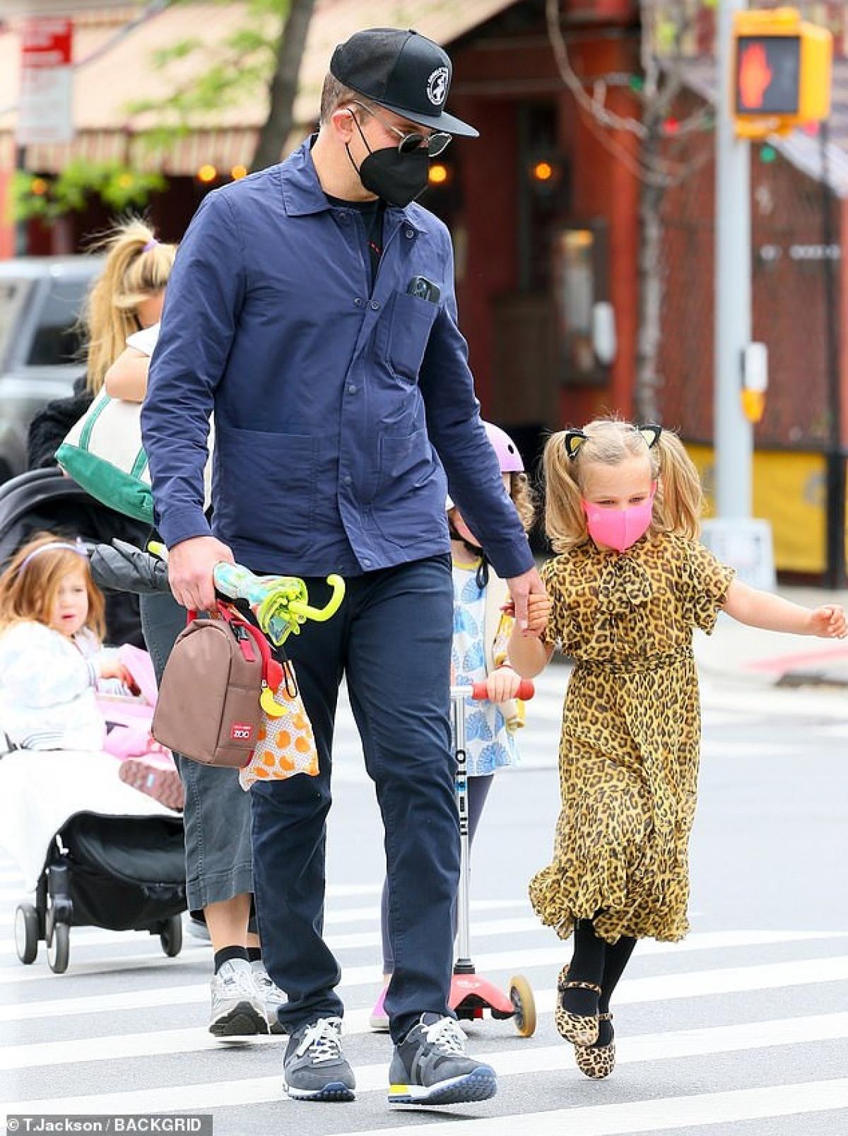 Dù đã chia tay nhưng Bradley Cooper và Irina Shayk vẫn phân bổ thời gian để cùng chăm sóc con gái nhỏ.