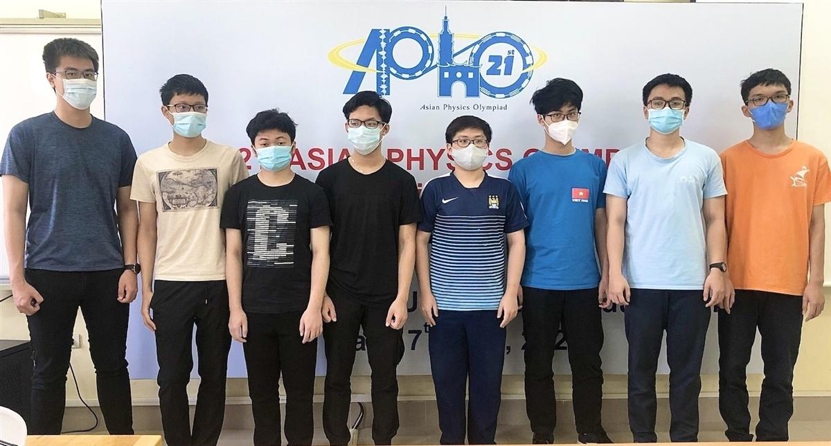 8 thành viên đội tuyển Việt Nam tham gia kỳ thi Olympic Vật lý châu Á- Thái Bình Dương 2021.