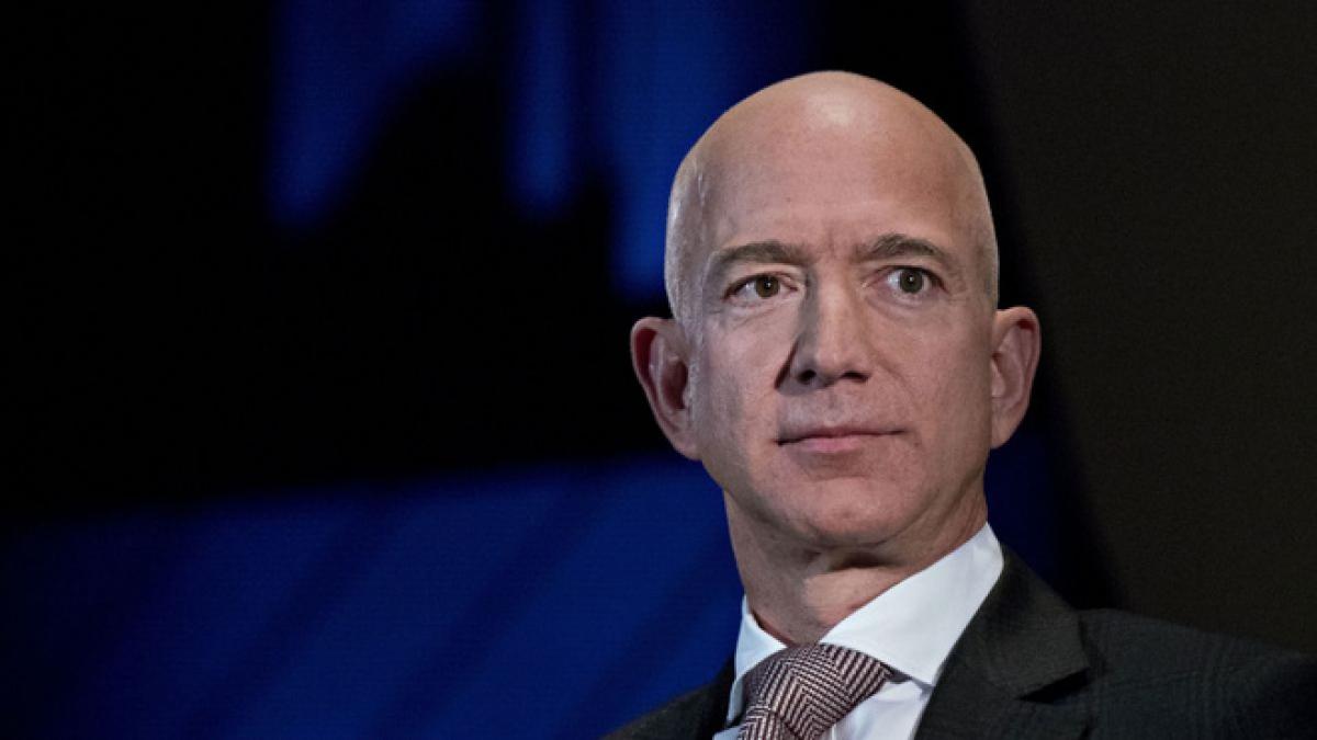 Tài sản của tỷ phú Jeff Bezo tăng 60% lên 183 tỷ USD trong dịch và ông đang là người giàu nhất thế giới. (Ảnh: Theverge)